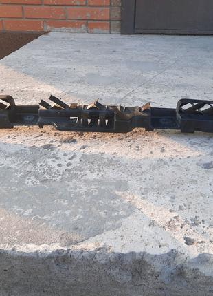 Кронштейн крепления заднего бампера, центральный на Passat B8 USA