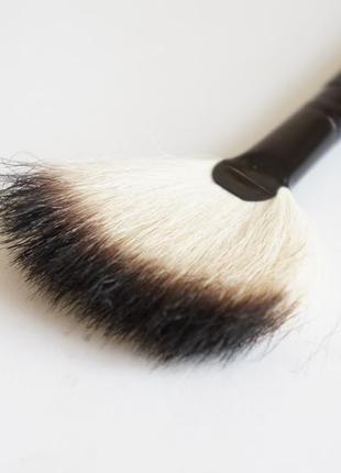 Кисточка кисть для макияжа oriflame