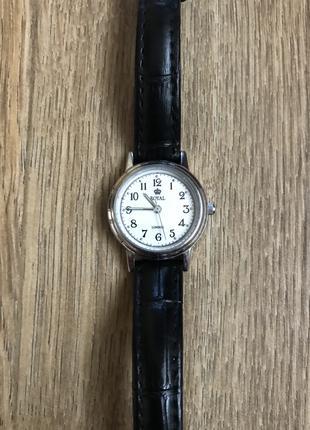 Наручные часы с чёрным кожаным ремешком Royal