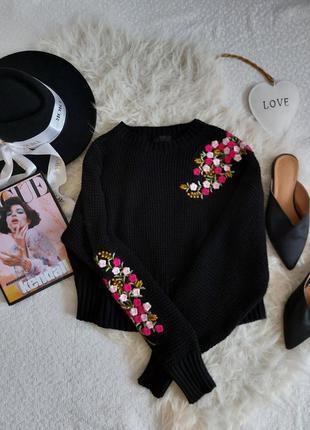 Трендовый черный свитер светр с цветочной вышивкой в идеальном...