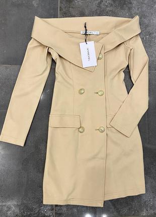 IVYREVEL • Платье-пиджак с открытыми плечами и золотыми пуговицам