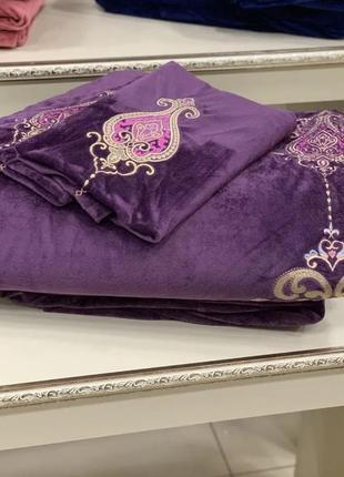 Комплект постельного белья из итальянского бархата и вышивкой 🦋