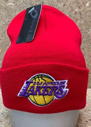 Зимняя шапка 2020 Lakers в разных цветах с вышивкой
