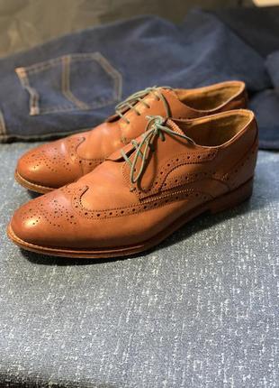 Шикарные солидные туфли полностью кожаные 43р