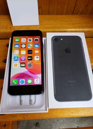 Iphone 7 32 GB, Neverlock ІДЕАЛ Стан 9.5/10 батарея 97%