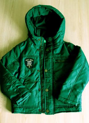 Осенняя куртка Benetton на мальчика 120 см