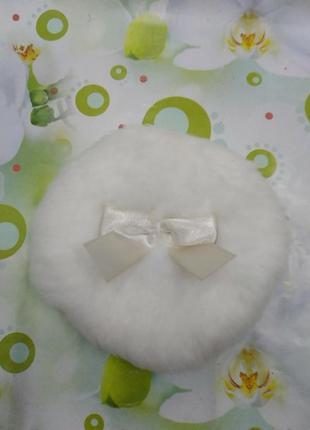 Пуховка для макияжа. белая с бантиком.