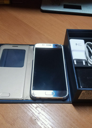 Телефон Samsung galaxy S7(gold) не edge 7