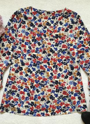 Блузка в цветы falmer вискоза 16 размер