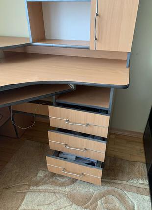 стіл комп'ютерний