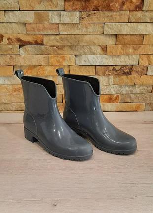 Ботинки резиновые размер 38