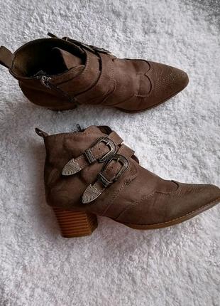 Ботинки казаки сапоги сапожки