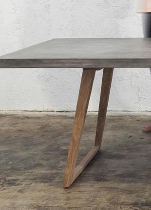 Столи зі штучного каменю