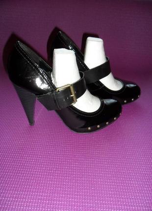 Туфли женские бу 38р