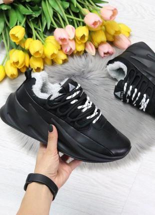Черные зимние дышащие женские кроссовки декорированная шнуровк...