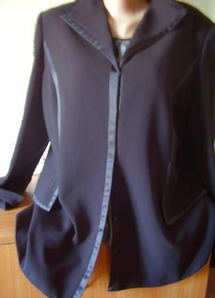 Интересный пиджак японский...по груди до 110 см... отделка атл...