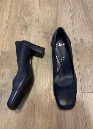 Туфли кожаные темно-синие 40р