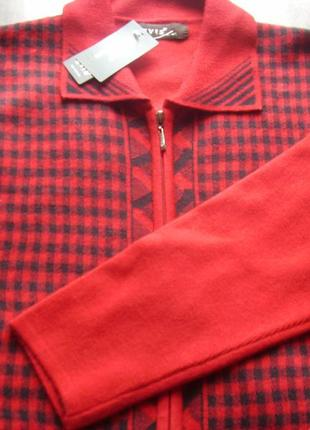Италия- новая теплая кофта на замочке  лама-меринос... размер ...
