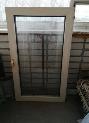 Пластиковое окно с рамой б/у