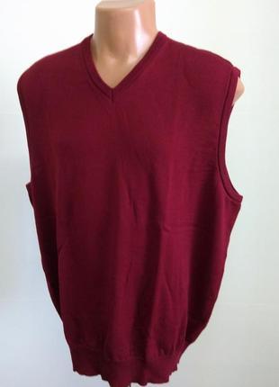 Мужская бордовая жилетка под рубашку