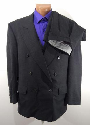 Однотонный темно - серый «черный» костюм тройка размер 52