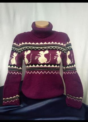 Тёплый, мягкий женский свитер повседневного стиля
