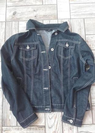 Стильна джинсова куртка М
