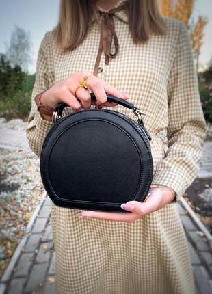 Стильная шикарная круглая сумка клат - кроссбоди через плечо /...