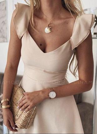 Легкое платье цвета слоновая кость с воланами, размер m-l