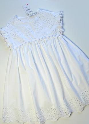 Белое платье с кружевом и перфорацией от zara хлопок