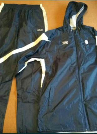 Продам спортивный тренировочный костюм фирмы Tuta(Литва)