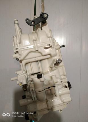Голова лодочного мотора  Jojnson 9.9  4T(Suzuki  15 T)