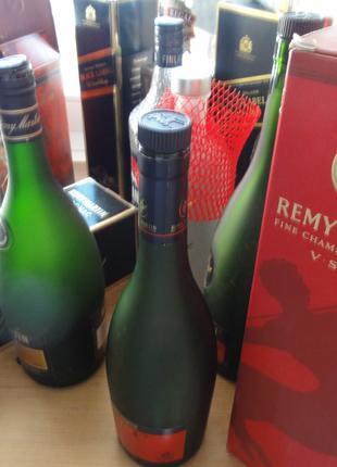 Пустые бутылки от элитного алкоголя. Свои! Есть винтаж!