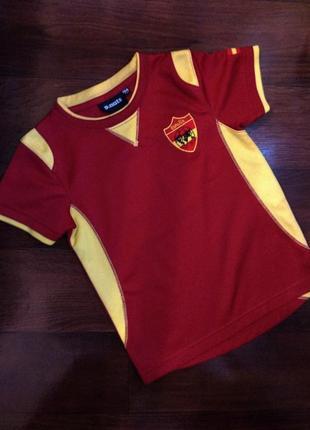 Фирменная футболка ponuts для занятий спортом,бега, футбола 3-4г