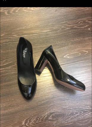 Туфли лаковая кожа 37 размер respect