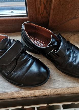 Детские туфли кожаные черные dexfern
