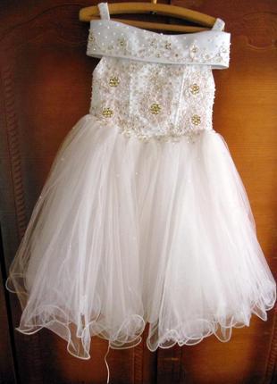 Шикарное платье для девочки.