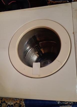 Стиральная машина Whirlpool б/у