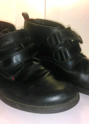 Подростковые осенние ботинки