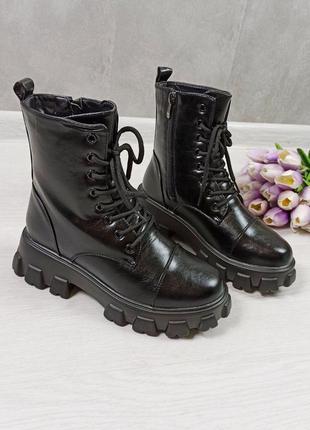 Ботинки женские на шнуровке зимние
