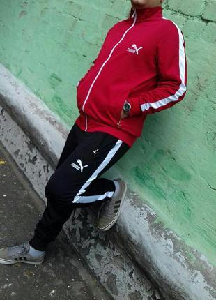 Спортивный костюм puma красно-черного цвета
