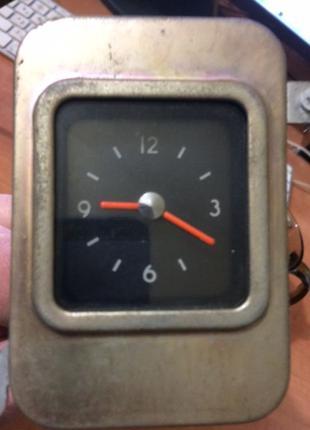 """Часы """"ВОЛГА"""" ГАЗ 24"""