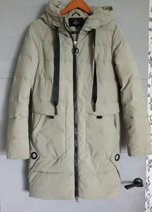 Пуховик . зимняя куртка . удлиненная куртка. зимнее пальто
