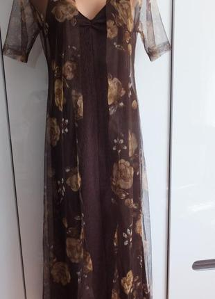 Вечернее длинное стрейчевое платье с открытой спиной и прозрач...