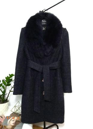 Шерстяное пальто с мехом на подкладке