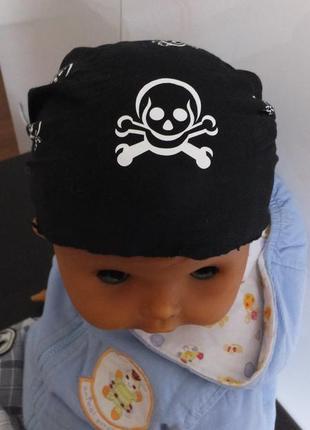 Черная бандана повязка пиратская с черепом на 3 - 6 - 9 месяцев