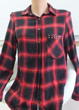 Нарядная стильная рубашка с длинным рукавом в крупную клетку о...