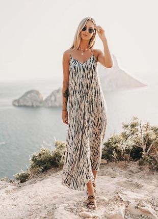 Длинное платье в бельевом стиле от zara