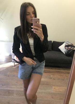 Двубортный базовый пиджак на пуговицах zara