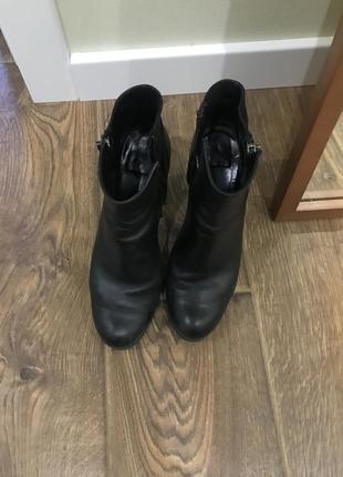 Кожаные ботинки на «тракторной» подошве